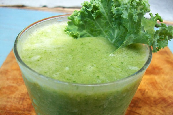 Green Apple And Kale Smoothie
